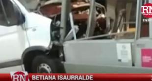 Dolores | Impactante choque de una camioneta contra cabina de peaje